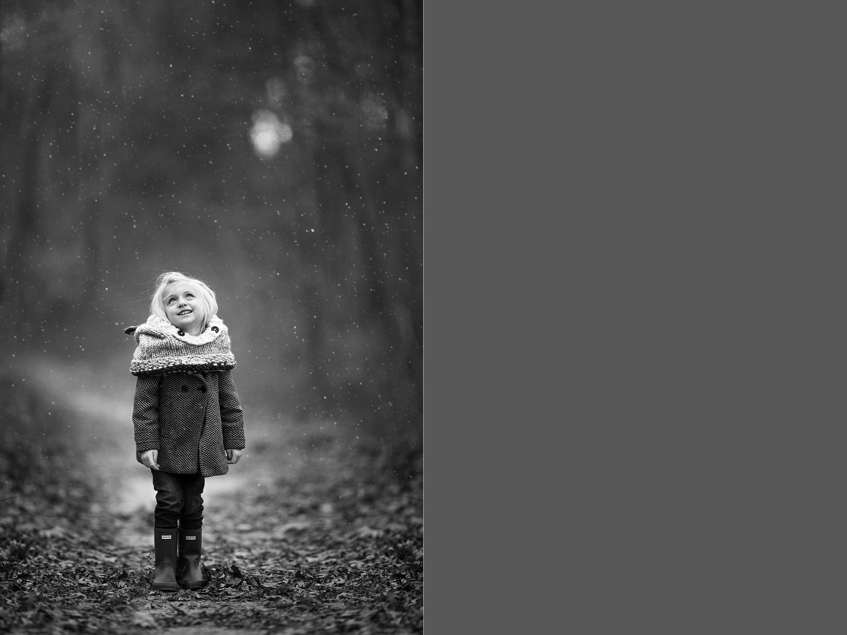 hello-olivia-photography-long-island-photographer-middle-island-girl-snow-hunter-boots-suffolk-county-woods-standing-outside-cold-snowing-icy-freezing-flurries-Let-It-Snow-www.hellooliviaphotography.com-middle-island