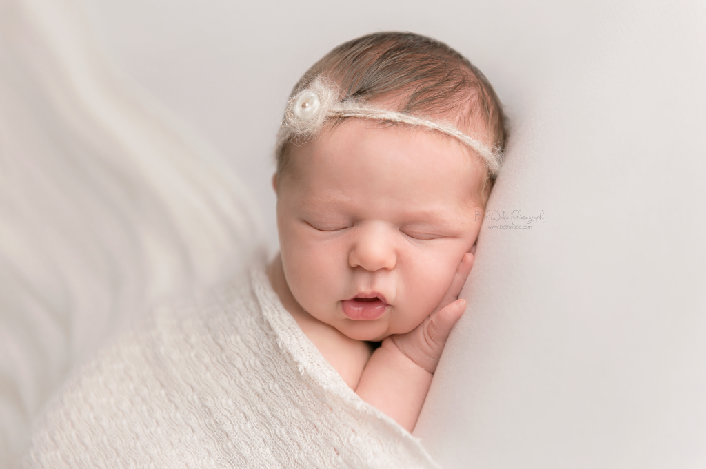 charlotte newborn photographer - beth wade