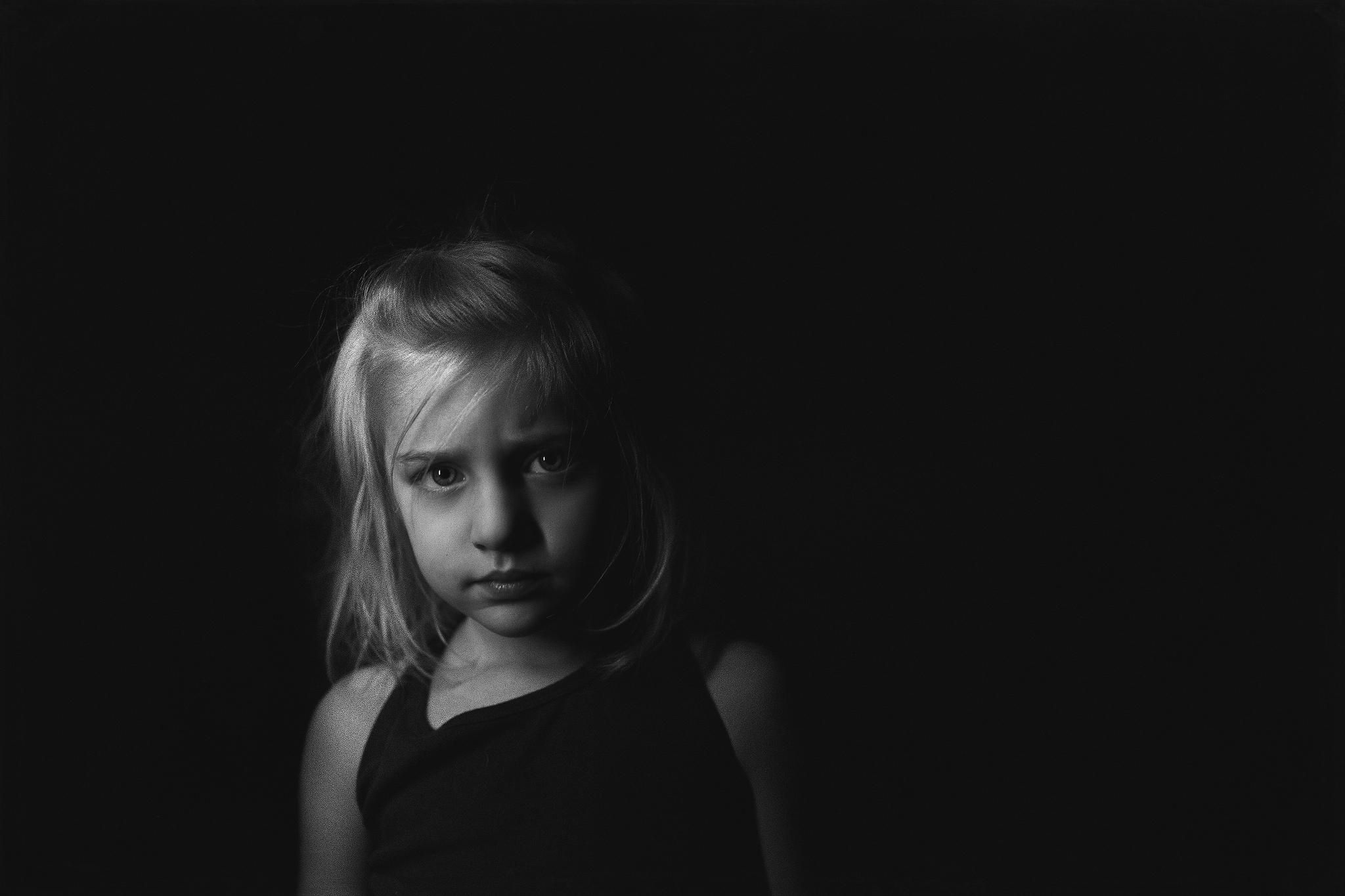 Hello-olivia-photography-long-island-family-photographer-moody