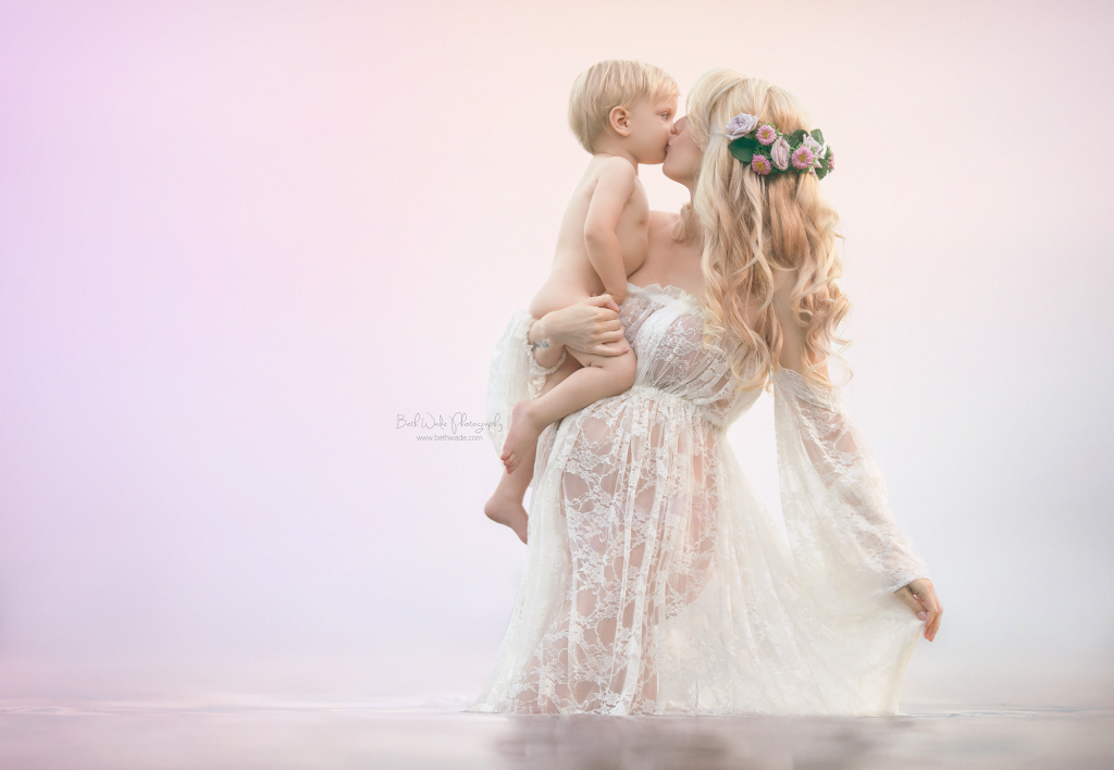 maternity fairytale by charlotte newborn photographer beth wade