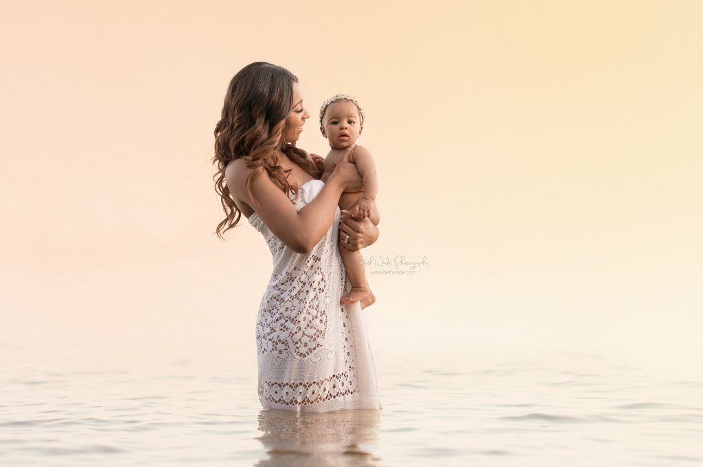 stunning mama and her baby in the water of lake wylie sc by beth wade charlotte family photographer