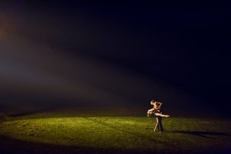 dancing-by-street-lamp-light-night-and-artificial-light-photography-Sarah-Hodges