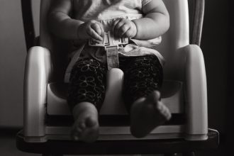 i do it toddler buckle in high chair edmond oklahoma city natural light lifestyle photography