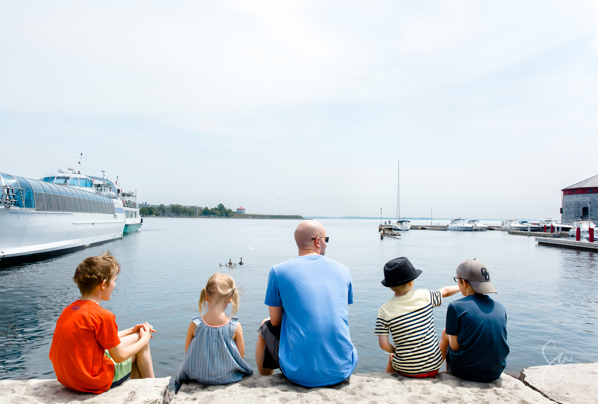2016-Photo-Essay-Airy-Photos-of-Family-Daytrip-to-Beautiful-Waterfront-Downtown-of-Kingston-Ontario-Canada-(1 of 8)