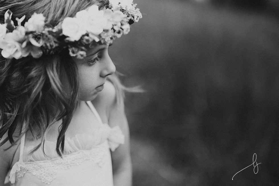 fine-art-photo-of-child-in-flower-crown-by-colorado-child-photographer-lily-jean-photography