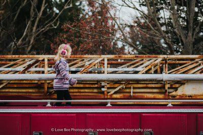 child photography, firetruck, candid childhood