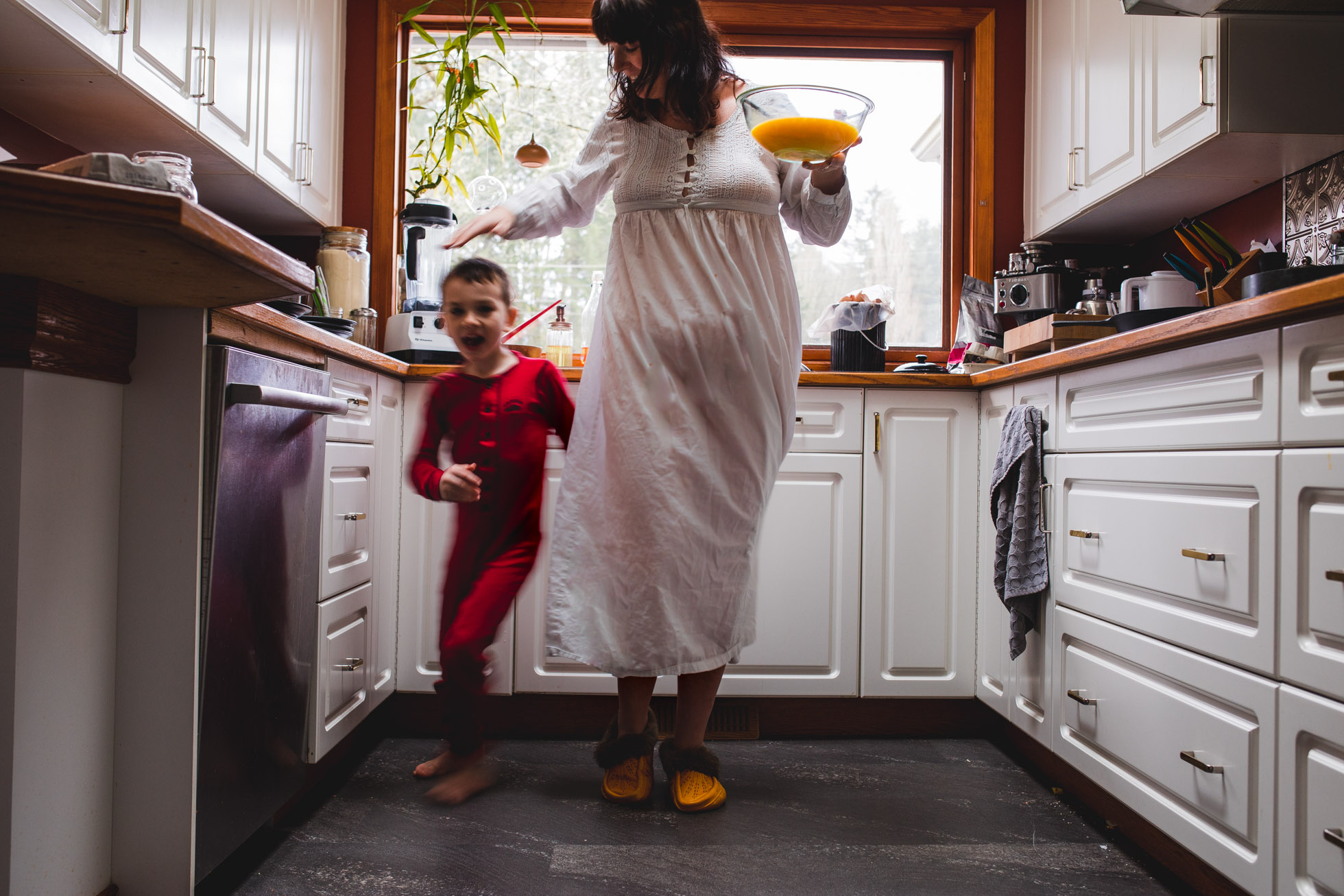 Mamas in the Kitchen, Kids all around by Ashley Marston