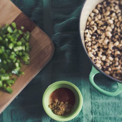 black_eye_peas_chopped_vegetables_freelensed_New_years_dinner_food_photography  for tradition and luck {freelensed)_by Eileen Critchley