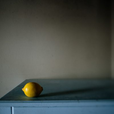 Peaceful-Low-Light-Still-Life-of-Yellow-Lemon-to-raise-support-and-awareness-for-lung-cancer-alixslemon-by-Sarah-Wilkerson-