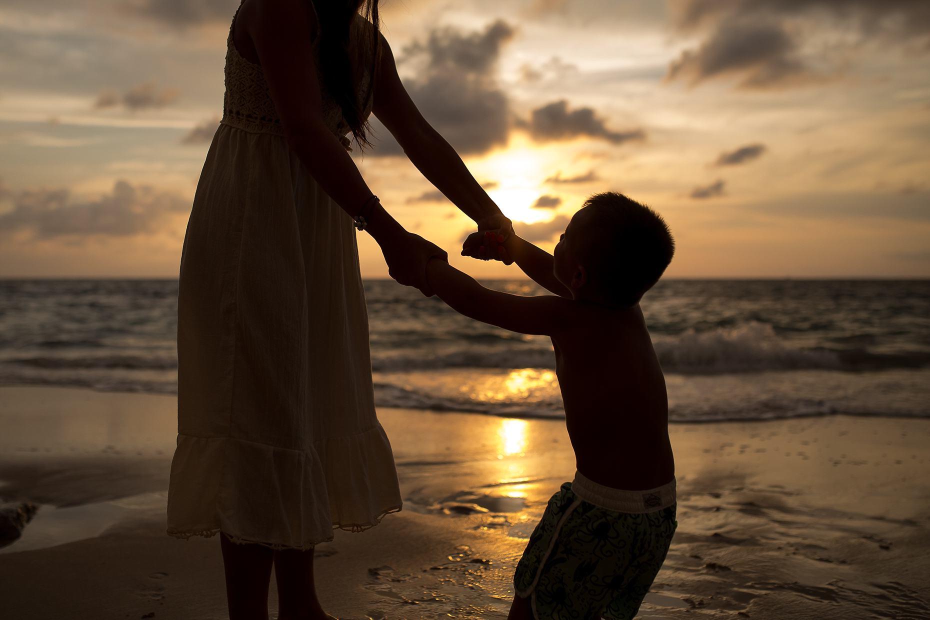 Marcie Reif Photography Mexico Sunset Puerta Vallarta Beach Kids Family Beach Photography