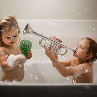 bubble bath level heroic children sisters siblings wescott ice light bounced flash gary fong light sphere lifestyle photography kate luber edmond ok oklahoma city photographer