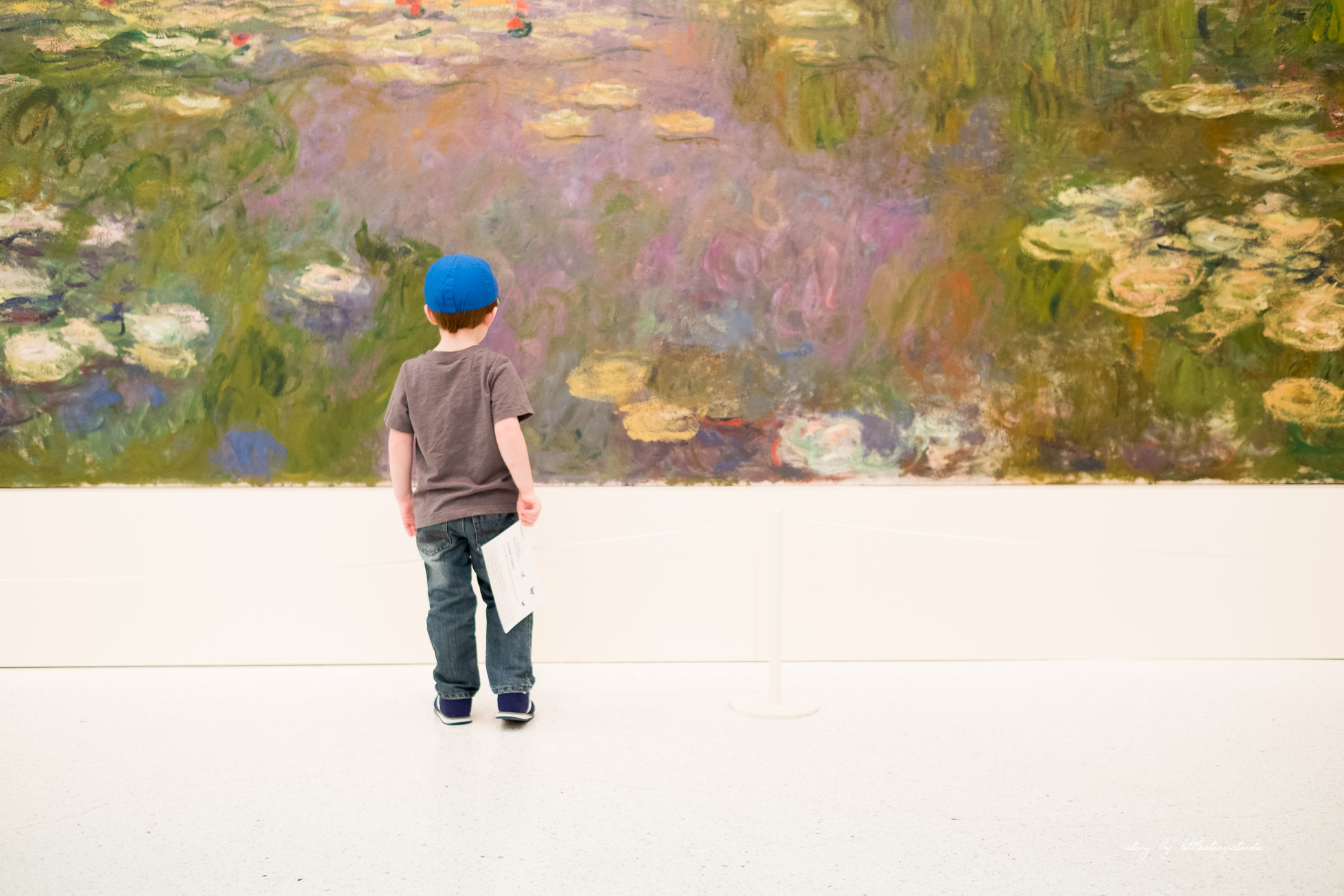 boy-looking-at-monet-water-lillies-at-carnegie-museum-of-art