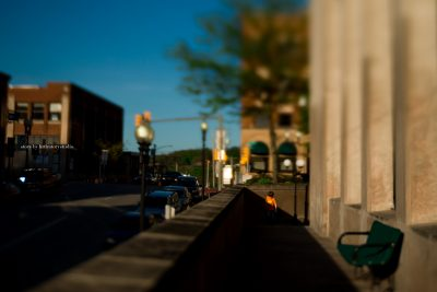 lensbaby-image-of-boy-in-city