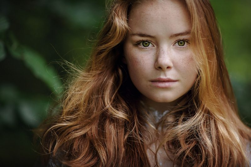 Canon portrait of a red headed girl with freckles by willie kers for the daily project on clickin moms
