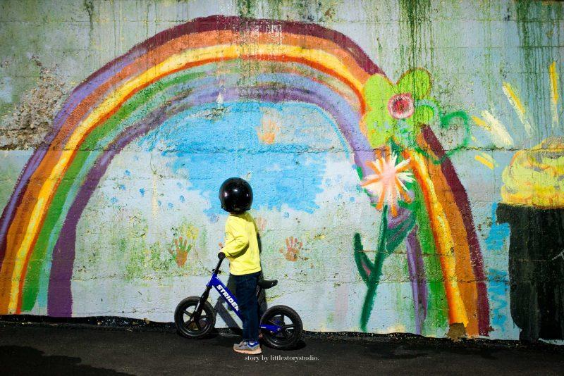 pittsburgh-photographer-boy-under-rainbow
