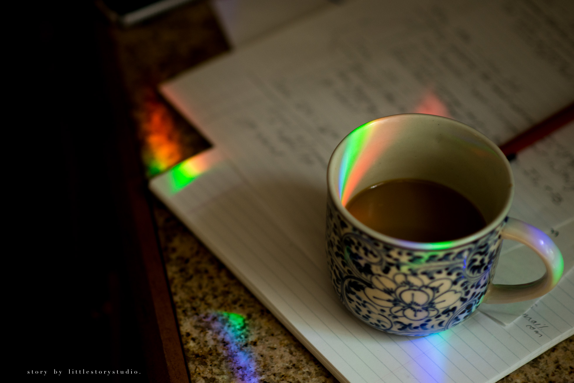 pittsburgh-photographer-rainbows-on-coffee-cup
