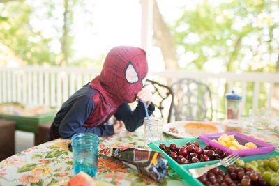 pittsburgh-photographer-spiderman-at-picnic-table