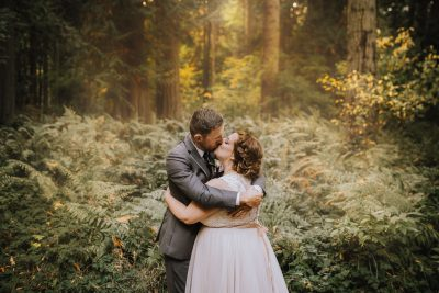 ebony-logins-clickin-moms-daily-project-wedding-victoria-bc-light-thanksgiving-couple-kiss-bride-groom-emotion