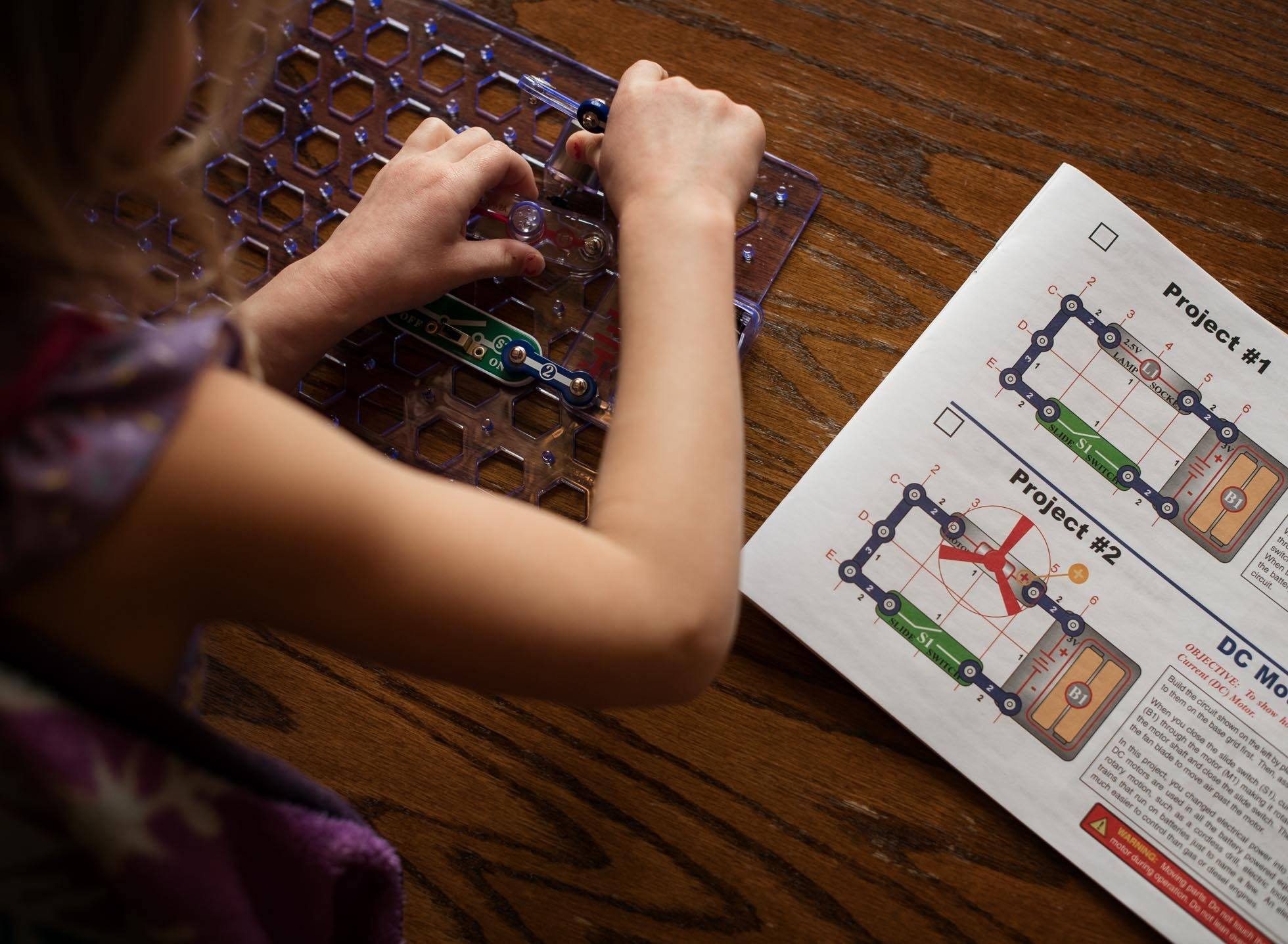 snap circuits girl science lifestyle edmond ok photographer oklahoma city natural light photographer kate luber photography