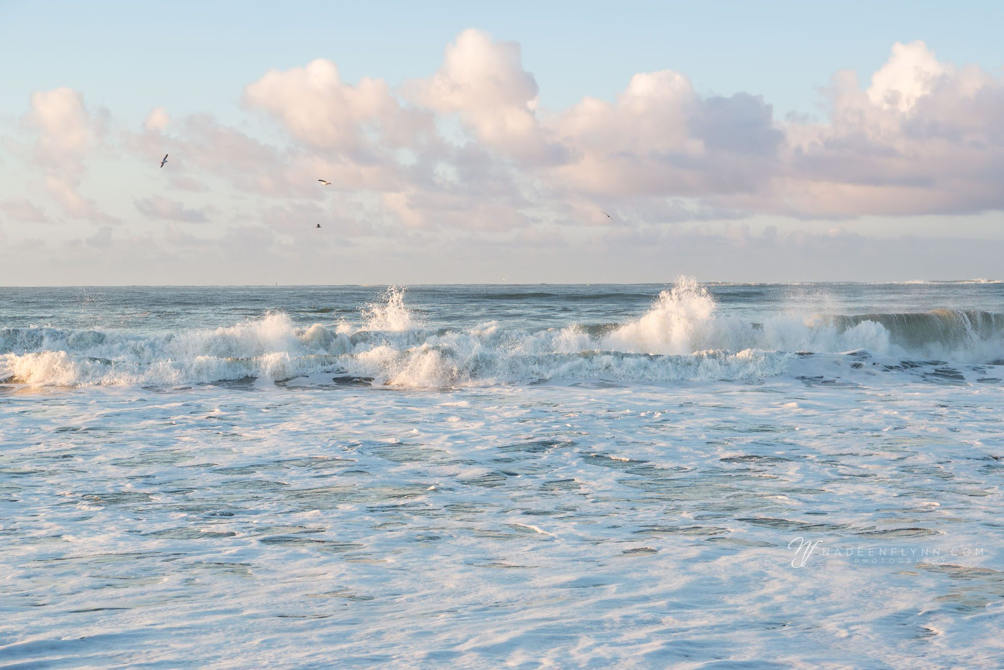 clouds mimicking the ocean waves