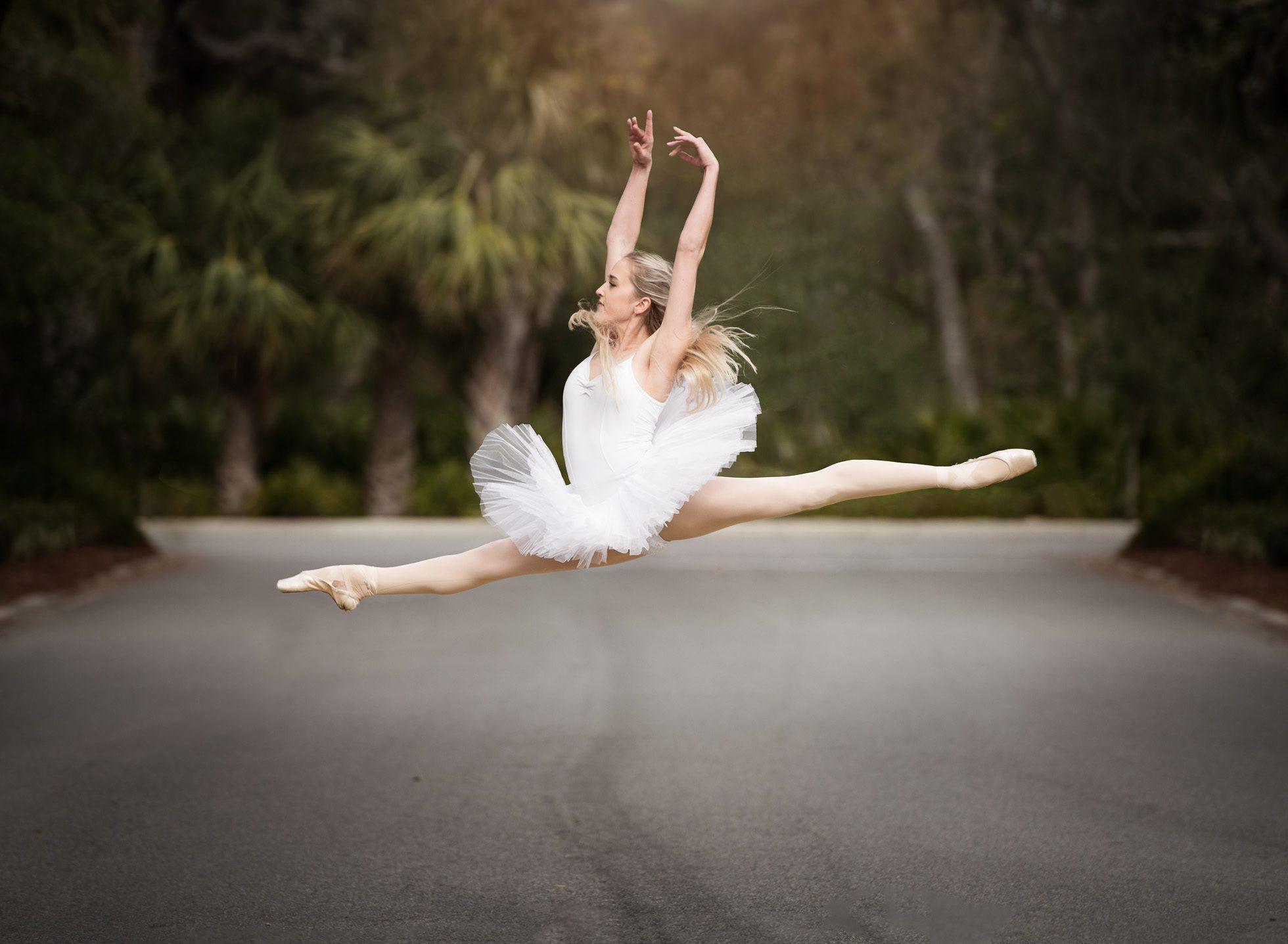 grand jete ballerina tutu dancer click away edmond ok photographer oklahoma city natural light photographer kate luber photography
