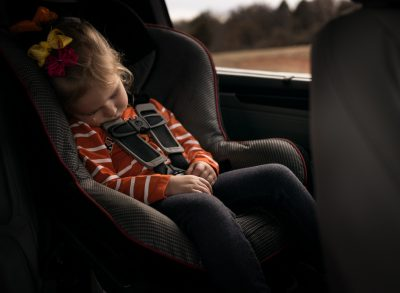 sleepy sister minivan car ride car seat toddler edmond ok photographer oklahoma city natural light photographer kate luber photography