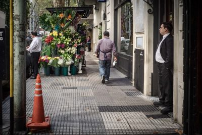 Street photo of flower stand in Buenos Aires
