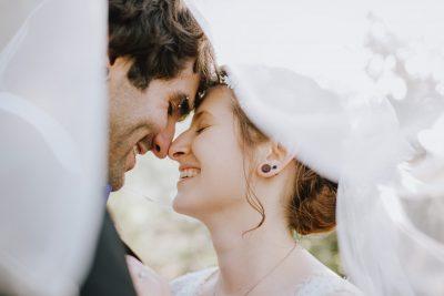 ebony-logins-clickin-moms-daily-project-wedding-victoria-bc-joy-veil