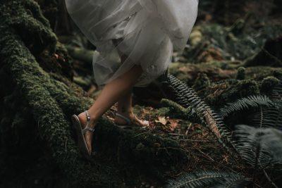 victoria-wedding-photographer-ebony-logins-bride-running-in-forest