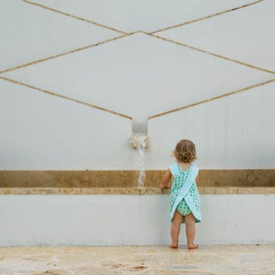 celia-sloan-photography-baby-girl-fountain-faceless