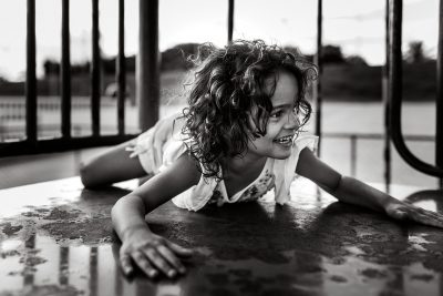 Her curls and her joy_@giaqueirozphotography