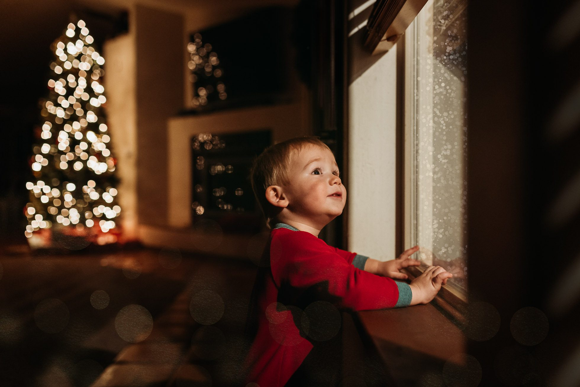 Snow at the Window {30 Days of Christmas Joy} by Jessie Nelson