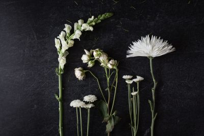 White-Floral-Bouquet-©Nadeen-Flynn-Photography