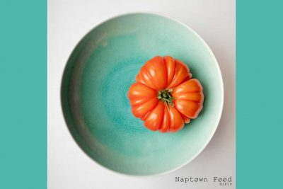 heirloom-tomato,-red,-canon,-naptown-food,-annapolis,-danielle-lundberg,-danielle-press,-fresh,-vegetables,-bowl,-minimalism,-minimal