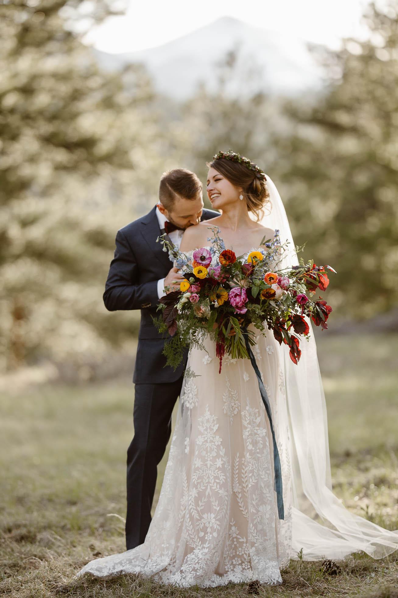 DELLA TERRA MOUNTAIN CHATEAU COLORADO WEDDING   COLORADO WEDDING PHOTOGRAPHER   ESTES PARK COLORADO WEDDING PHOTOGRAPHER